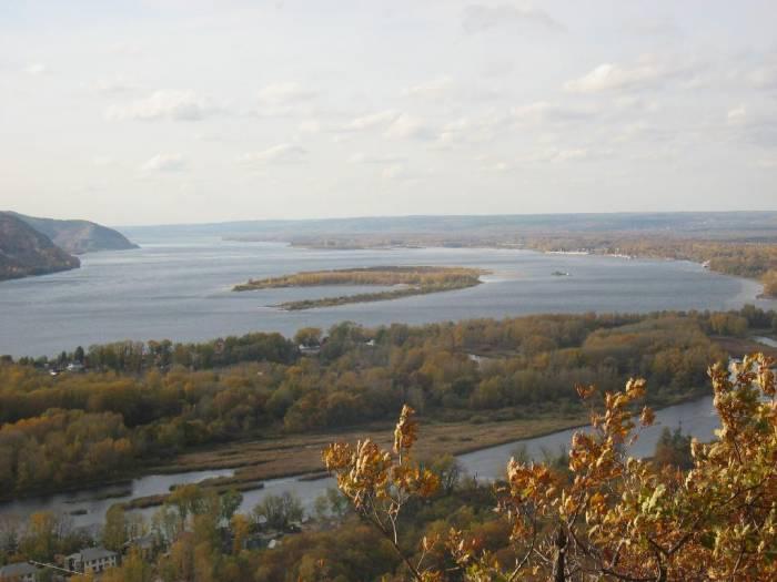 Река Волга на карте