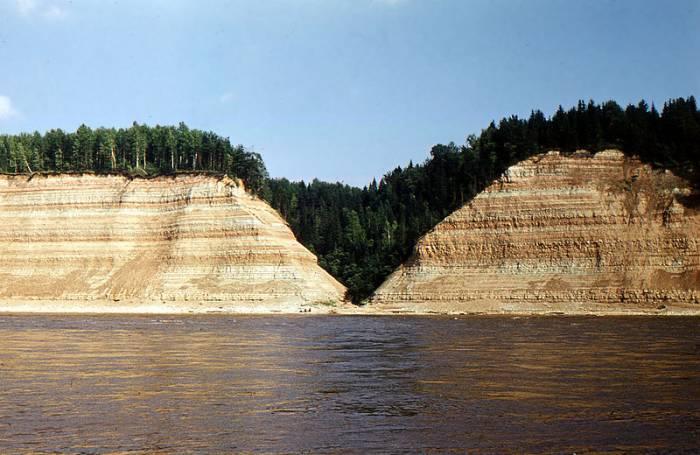 Река Сухона на карте
